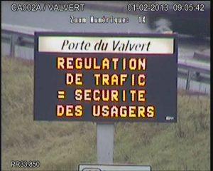 panneau-lumineux-regulation-de-trafic